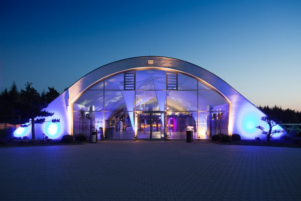 Driving Center Baden Ansicht nachts